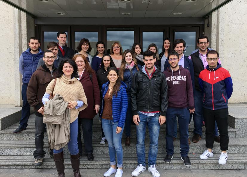 2b38d869324 Estudiantes de la UCLM visitan el centro logístico de El Corte ...